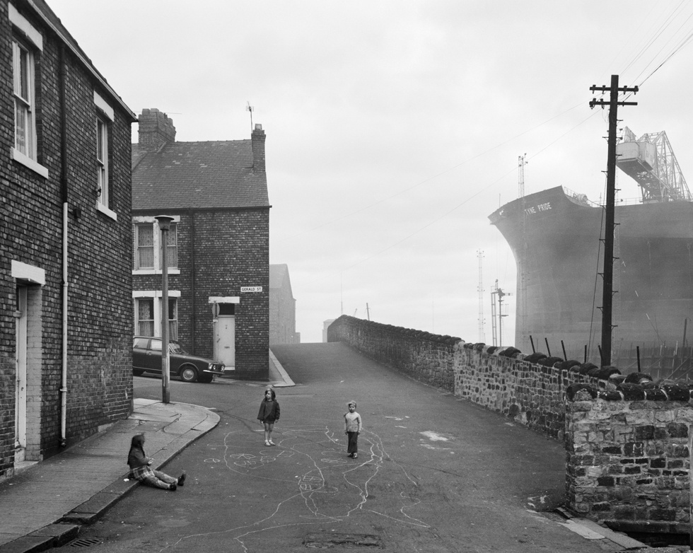 Housing and Shipyard, Wallsend, Tyneside, 1975. Chris Killip